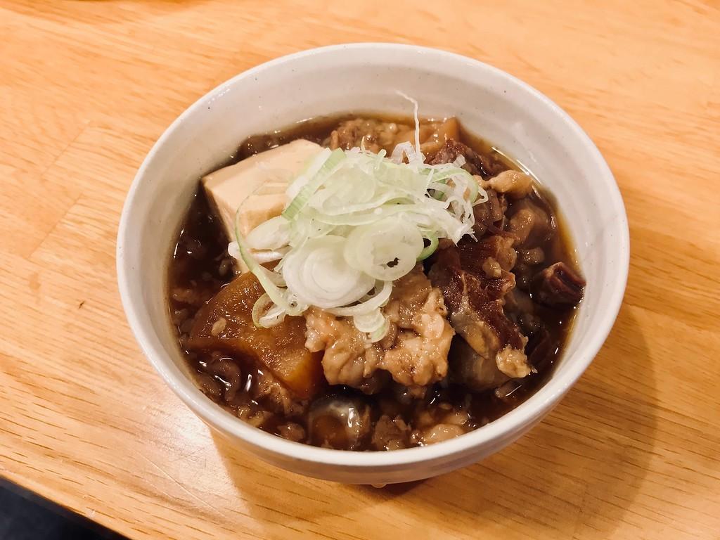 Gyusuji-nikomi with tofu and daikon.