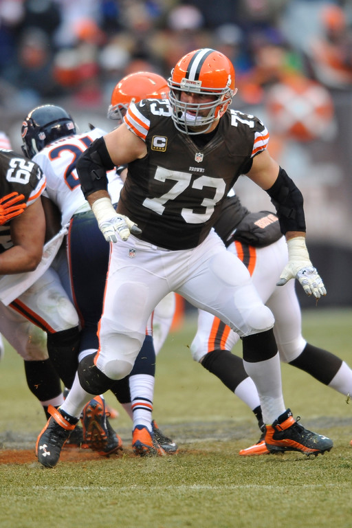 . Cleveland Browns tackle Joe Thomas (73) blocks  during an NFL football game against the Chicago Bears Sunday, Dec. 15, 2013, in Cleveland. Chicago won 38-31. (AP Photo/David Richard)