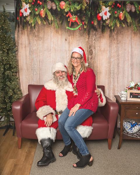 Ameriprise-Santa-Visit-181202-5095.jpg
