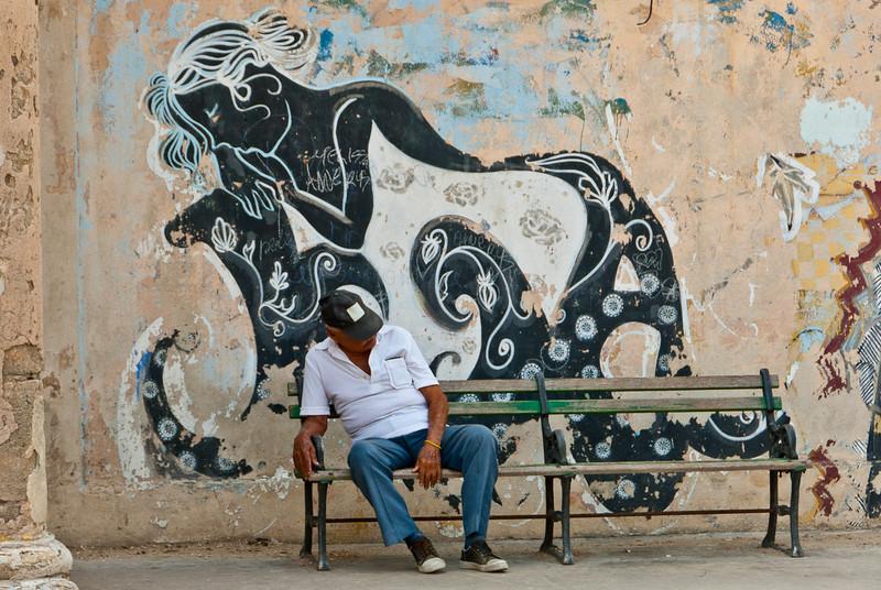 2011-04-07_Havana_OldTown_9202.jpg