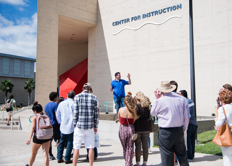 Island Ambassador Chris Potter gives a group of prospective students a tour of the TAMU-CC campus.