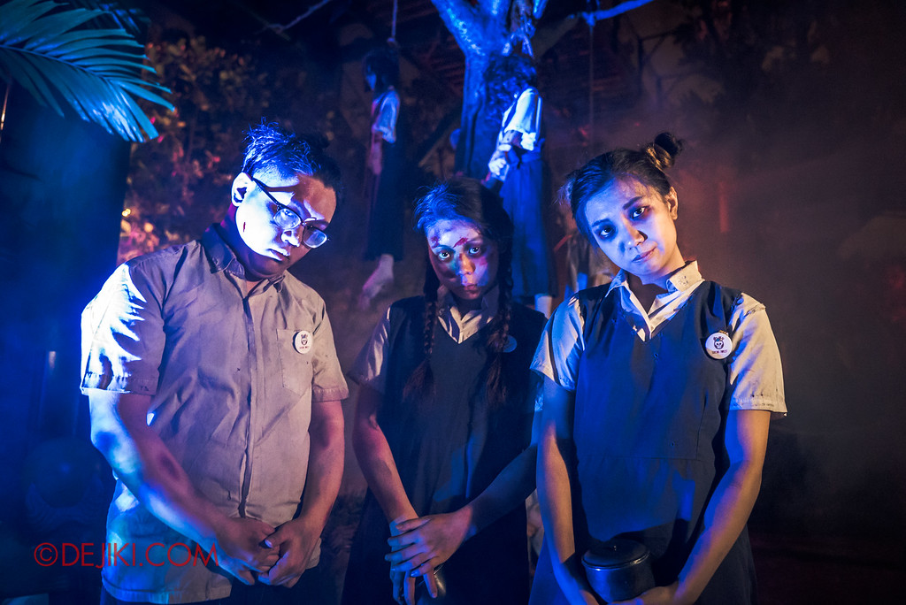 Halloween Horror Nights 6 Final Weekend - Suicide Forest / Student Corner Trio blue