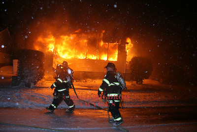 Winthrop, MA - Working Fire, 952 Shirley Street, 12-19-08