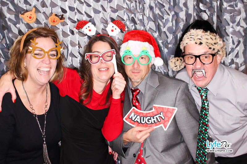 red-hawk-2017-holiday-party-beltsville-maryland-sheraton-photo-booth-0239.jpg