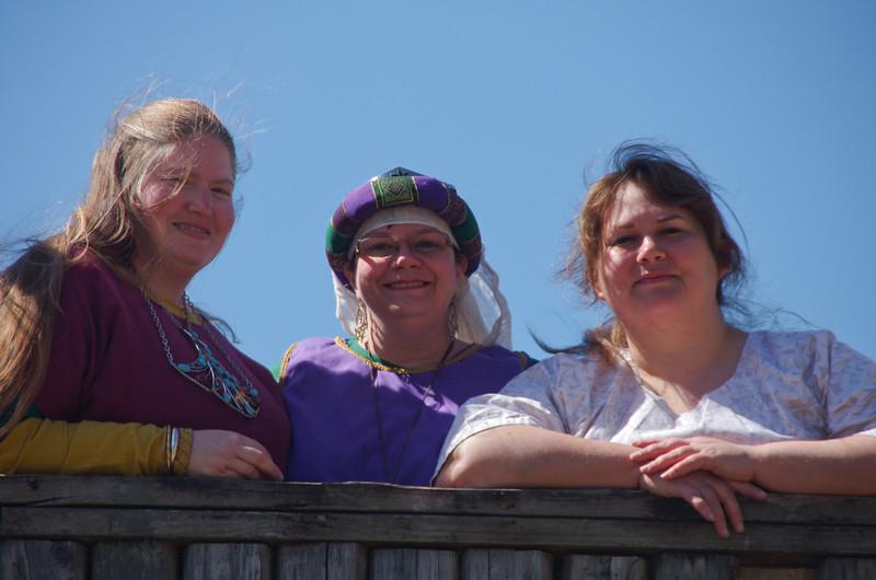 Joan, Linnet & Naquid