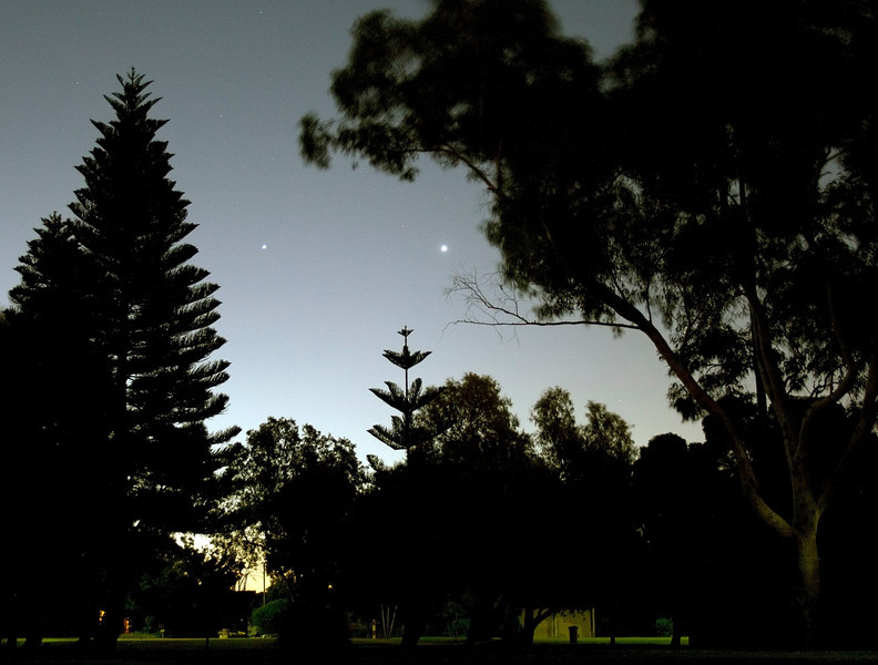 Venus (right) and Jupiter at the Park - 20/03/2012