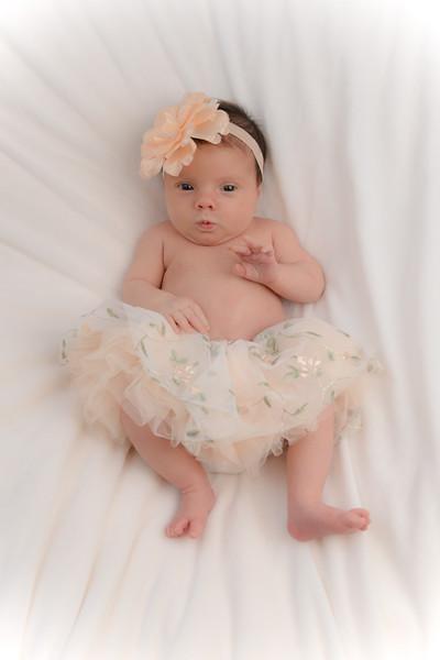 Newborn - Reyenger -0015.jpg