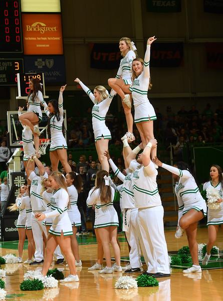 cheerleaders0100.jpg