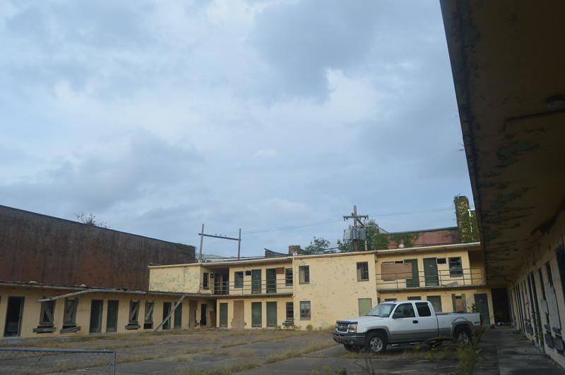 154 Abandoned Motel.jpg