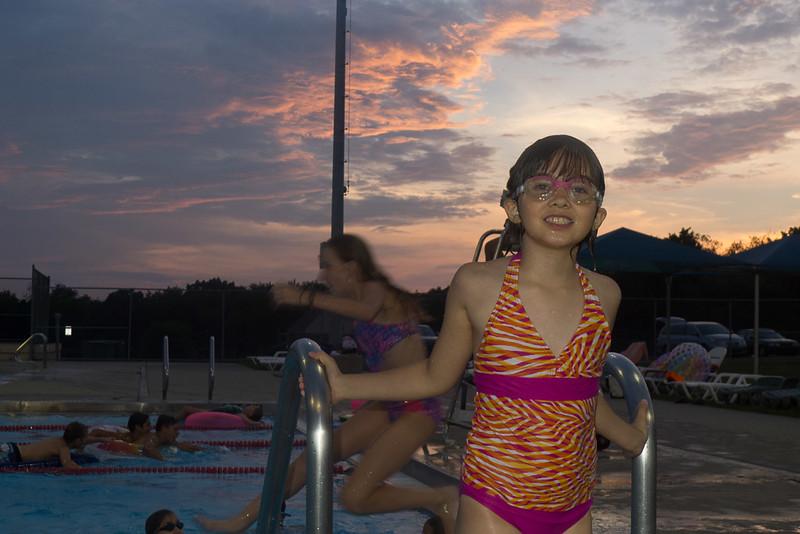 Hampton Dolphins Pool Party-0006-1120752.jpg