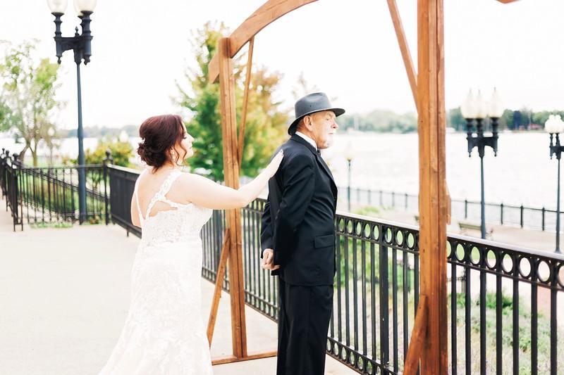 chateau-on-the-river-trenton-michigan-wedding-0086.jpg