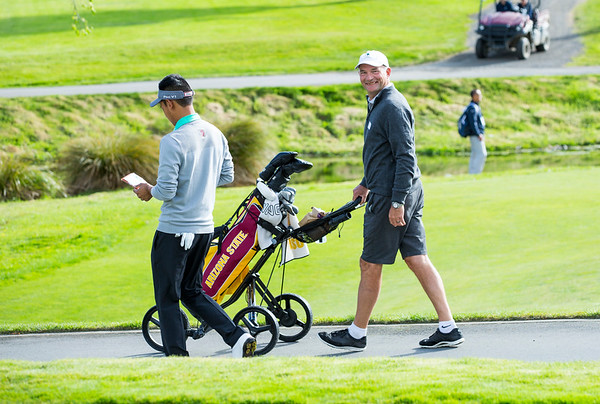 Caddy John Rowlands on Practice Day 1 of the Asia-Pacific Amateur Championship tournament 2017 held at Royal Wellington Golf Club, in Heretaunga, Upper Hutt, New Zealand from 26 - 29 October 2017. Copyright John Mathews 2017.   www.megasportmedia.co.nz