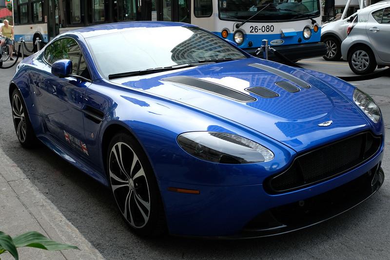 Aston Martin Vantage S 02.jpg