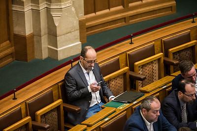 2017.12.11. - Parlament