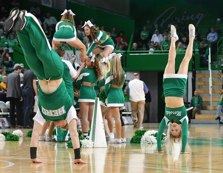 cheerleaders8855.jpg