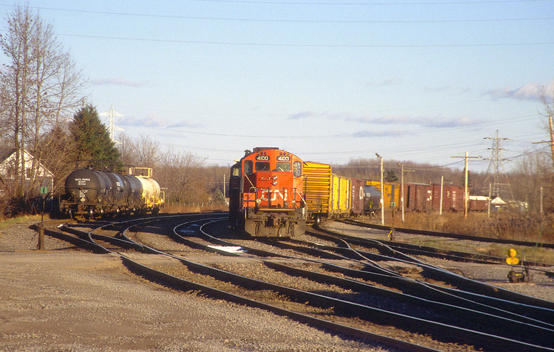 CN GP9RM 4100 + 4135 in Coteau.