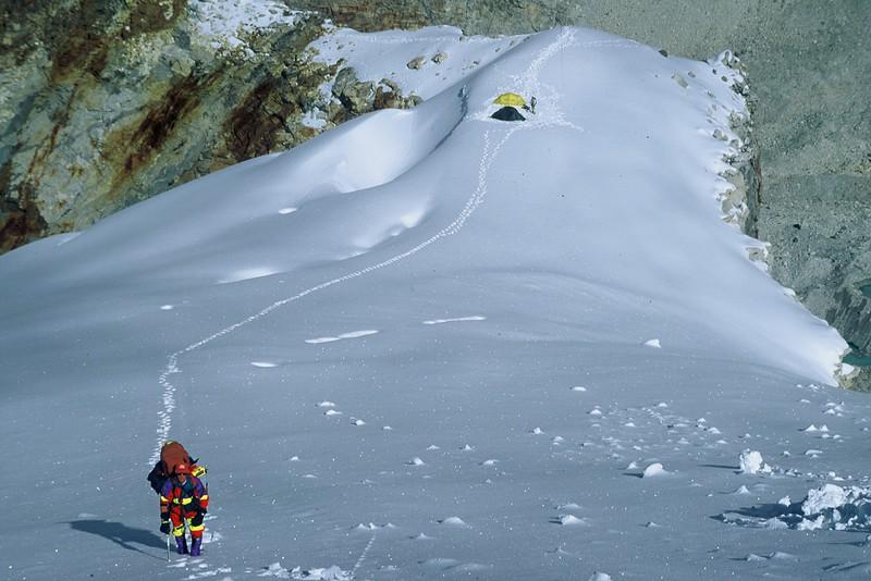 Above Camp 1, Makalu
