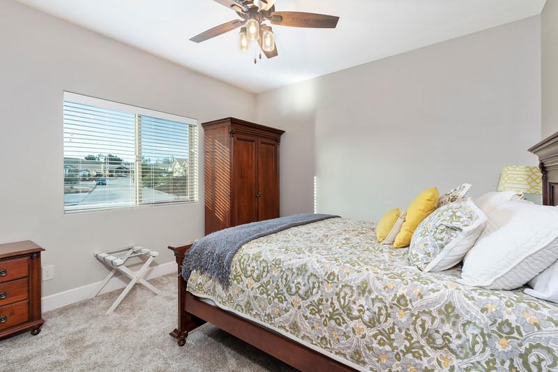 3510 Lakeside Village 20 Guest Bedroom.jpg