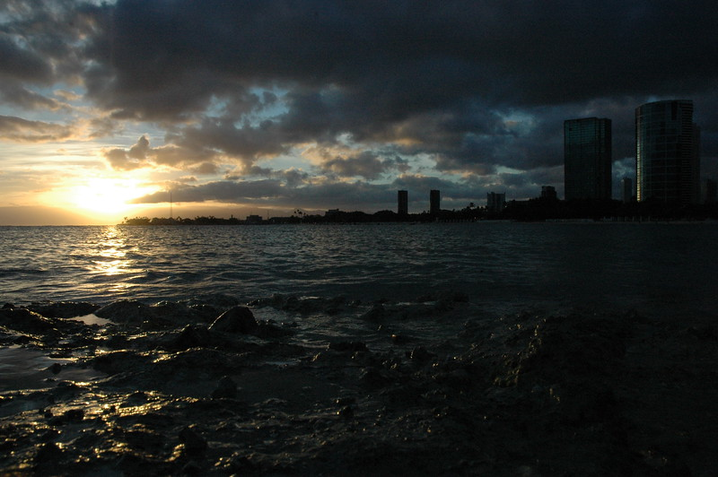 Hawaii - Ala Moana Beach Sunset-27.JPG