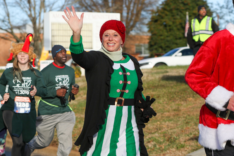 2019 Lynchburg Turkey Trot 350.jpg