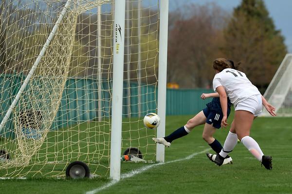Grand Blanc vs Mt. Pleasant girls varsity soccer 4-12-2021