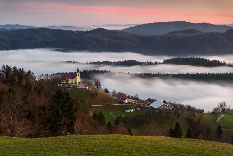 Češnjice - tiny village over the mist