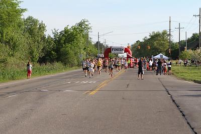 10K Start - 2014 Novi Memorial Day Run