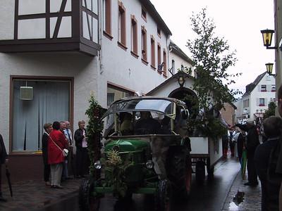 Neumagen-Drohn Weinbluten Fest Parade