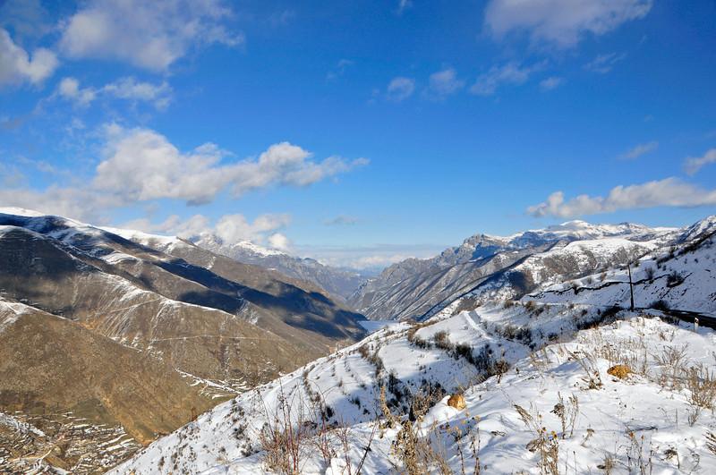 081217 669 Armenia - Yerevan - Assessment Trip 03 - Drive from Meghris to Yerevan ~R.JPG