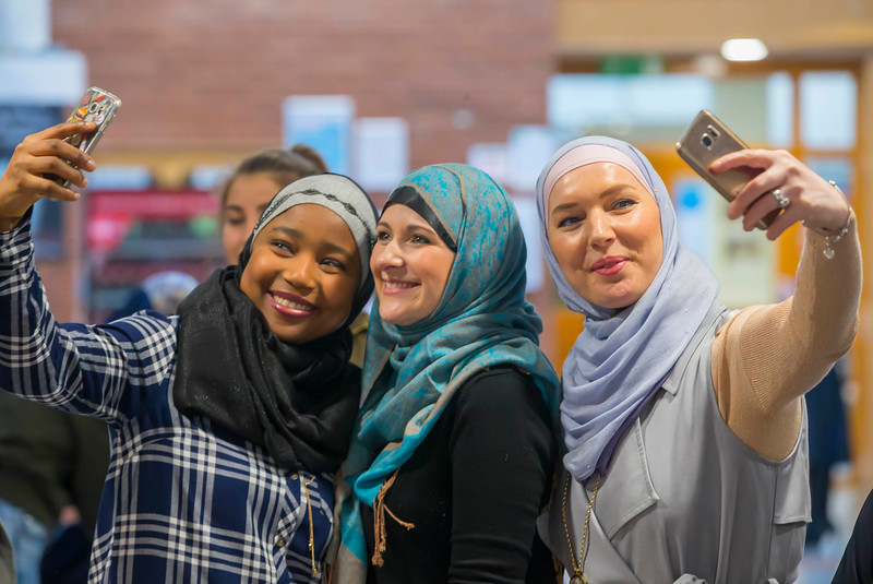 "01/02/2017.  World Hijab Day 2017 at Waterford Institute of Technology. Picture at Waterford Institute of Technology (WIT) who hosted an event ""Trying on a Hijab"" for World Hijab Day 2017 at WIT's main campus, Cork Road, Waterford City. Picture: Patrick Browne"