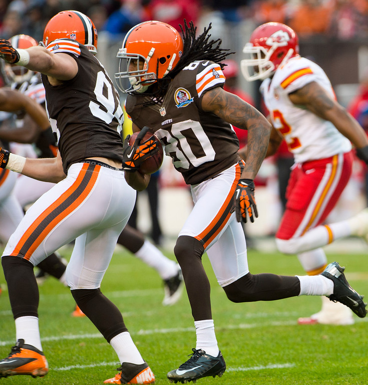 . CLEVELAND, OH - DECEMBER 09: Wide receiver Travis Benjamin #80 of the Cleveland Browns runs for a touchdown during the first half against the Kansas City Chiefs at Cleveland Browns Stadium on December 9, 2012 in Cleveland, Ohio. (Photo by Jason Miller/Getty Images)