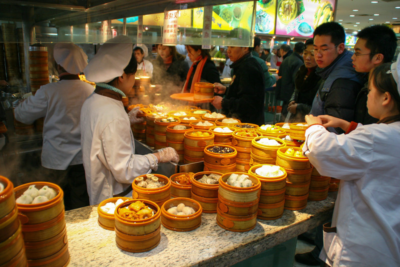2006-china-shanghai-street-photography-dim-sum.jpg