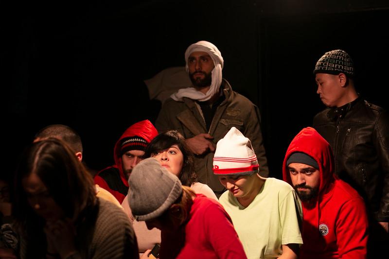 Allan Bravos - Fotografia de Teatro - Indac - Migraaaantes-479.jpg