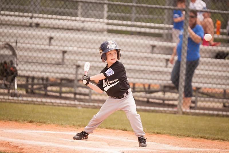 Younger Baseball-16.jpg