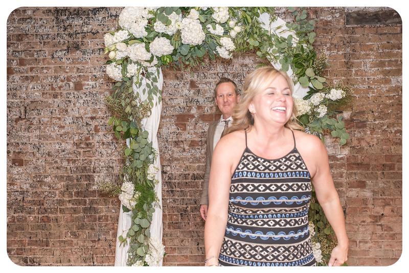 Laren&Bob-Wedding-Photobooth-130.jpg