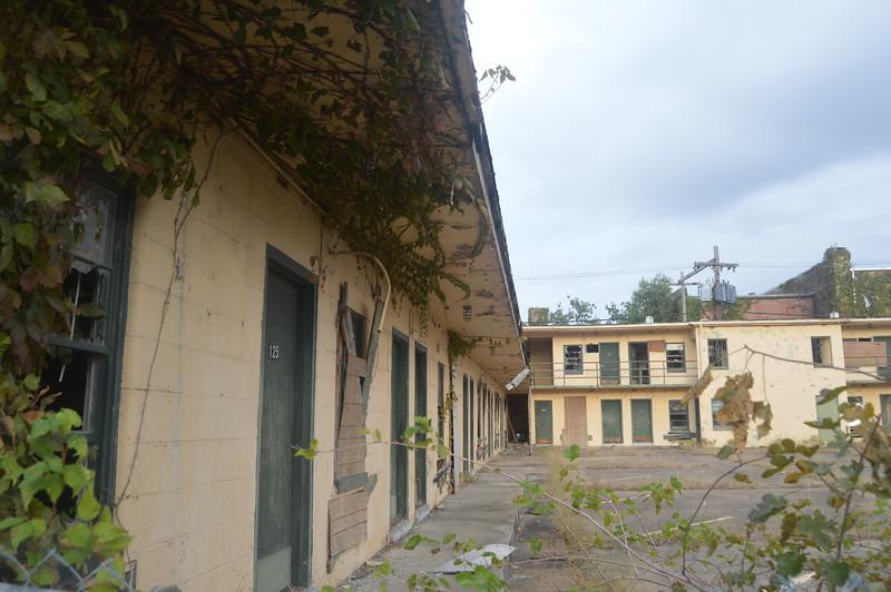 144 Abandoned Motel.jpg