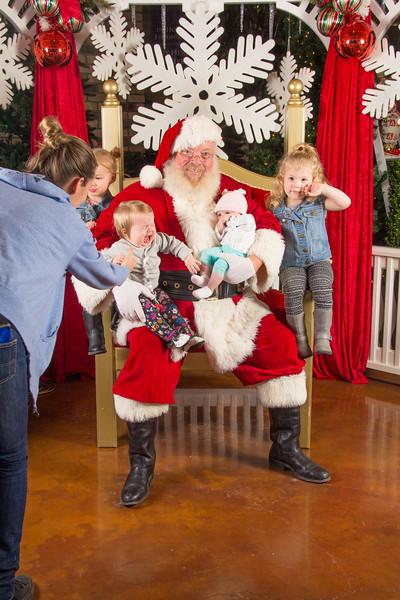 Santa 12-16-17-425.jpg