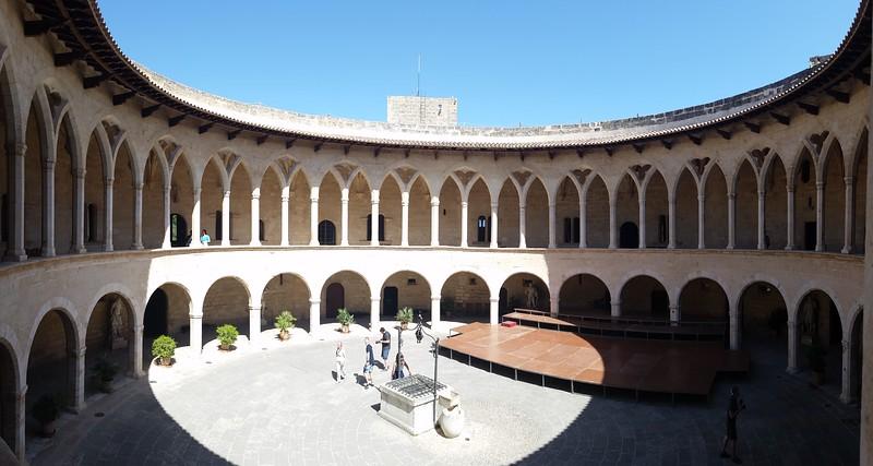 Castell de Bellver - things to do in Mallorca