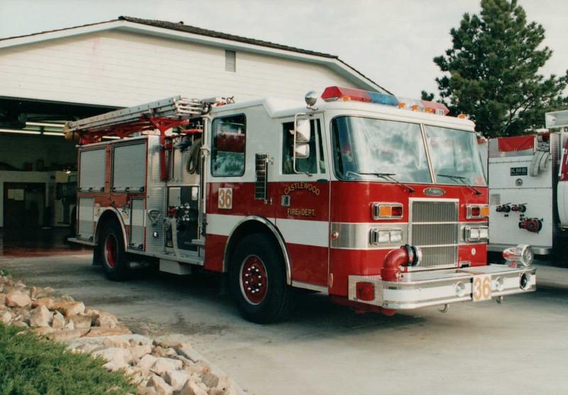 Castlewood Engine 36 94 Pierce Dash 4x4 500 gal 1250 gpm.JPG