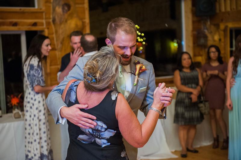 Jodi-petersen-wedding-662.jpg