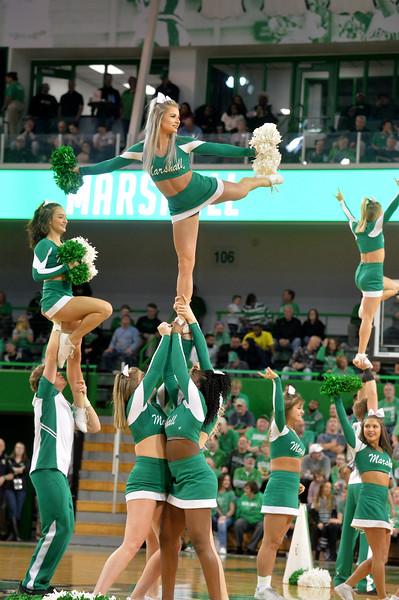 cheerleaders1118.jpg