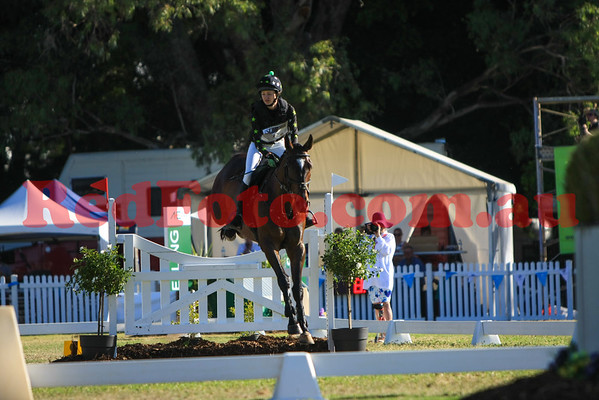 2016 12 10 Eventing in the Park Grand Prix 18 Jess Keeble Jenkins Hard Target