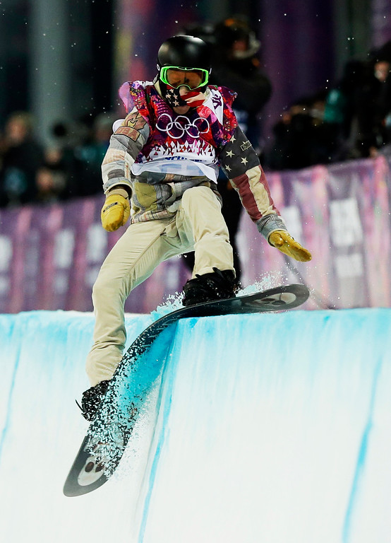 . Shaun White, of the United States, hits the edge of the half pipe during the men\'s snowboard halfpipe final at the Rosa Khutor Extreme Park, at the 2014 Winter Olympics, Tuesday, Feb. 11, 2014, in Krasnaya Polyana, Russia. (AP Photo/Andy Wong, File)