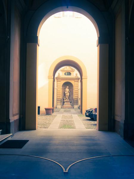 modena hallway.jpg