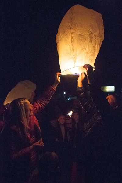 Holly Days Lantern Launch-41.jpg