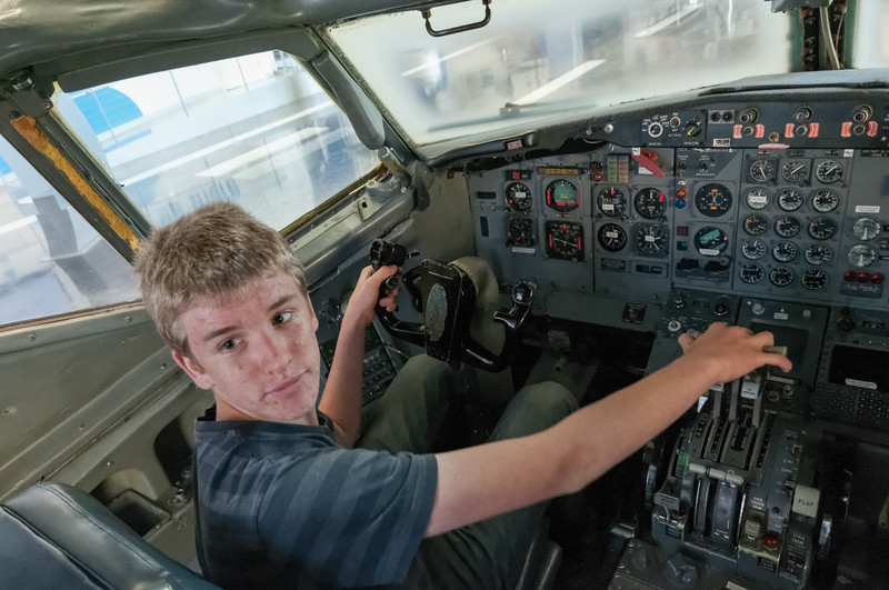 Das Cockpit einer 727 im Museum der Boeing Frabrik im Norden Seattles.