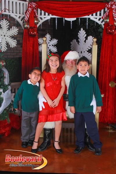 Santa 12-10-16-260.jpg