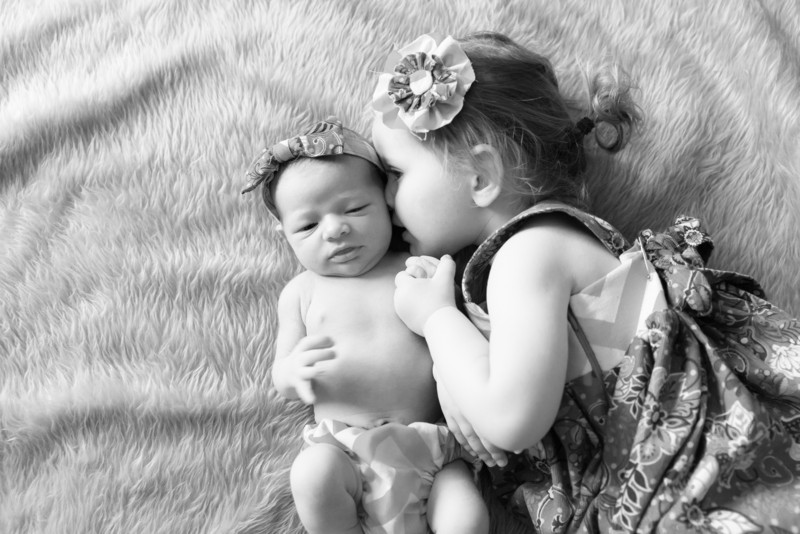 2014.03.30 Whitney Kronforst Newborn Photos B-W 49.jpg