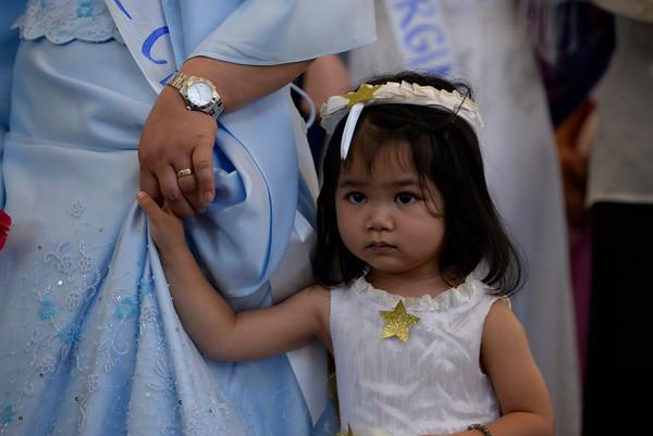 2015 Santacruzan pageant honors Mary, St. Helen