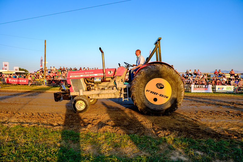 Tractor Pulling 2015-1985.jpg